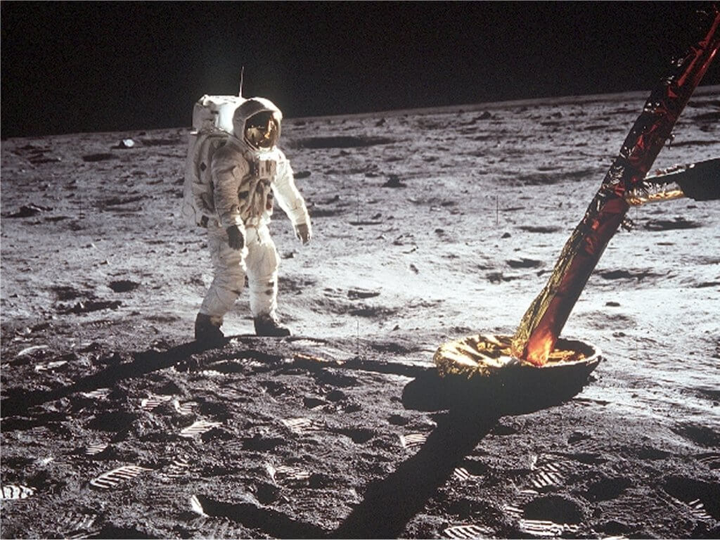 apollo 11 essay