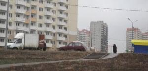 Торговцы в 140-ом военном городке ЖК Суворовского
