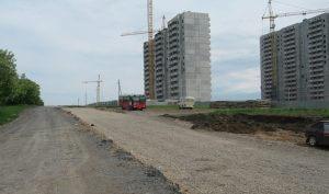 Новые дома и дорога в ЖК Суворовском