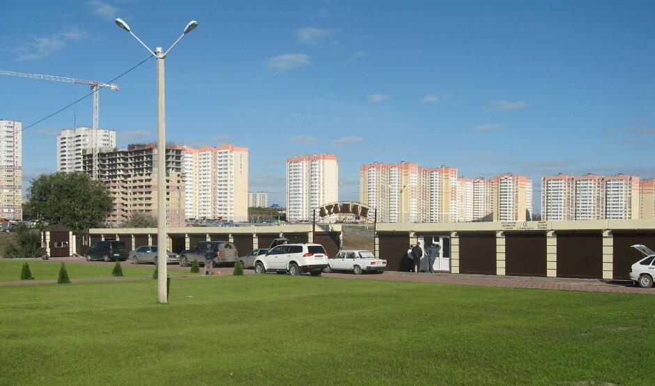 Прогулочная зона на рынке Атаман в Суворовском