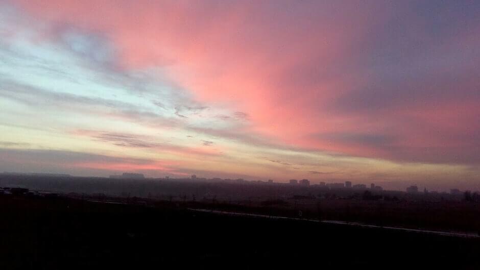 Розовое небо над ЖК Суворовским