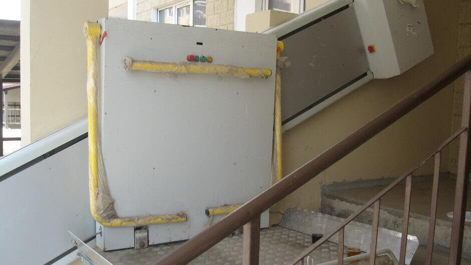 Подъемники для инвалидов в 140-ом военном городке Суворовского