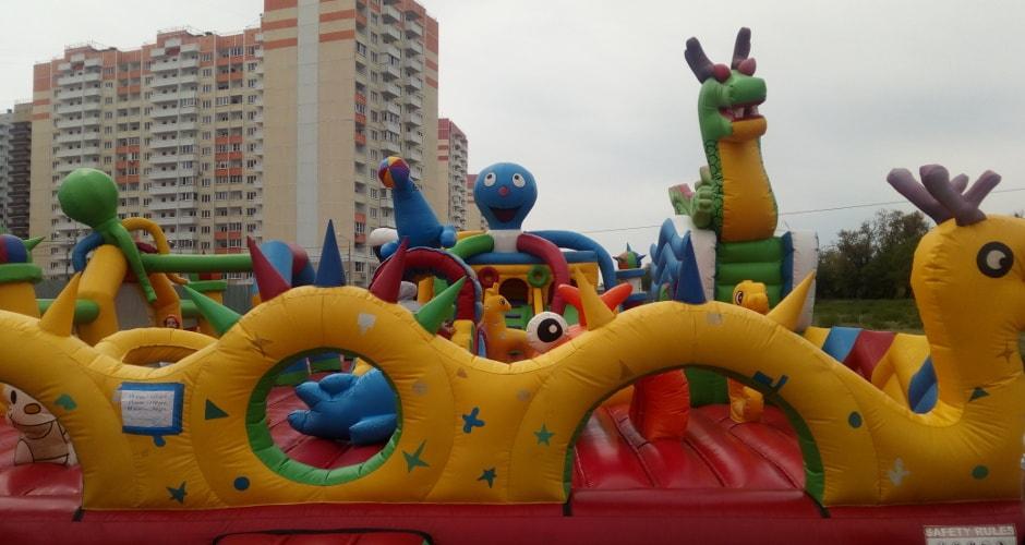 Большой летний батут в Суворовском