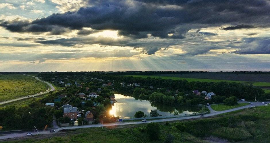 Закрытое озеро возле Суворовского