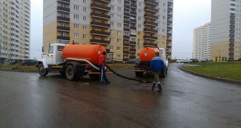 Незаконный слив отходов в канализацию Суворовского