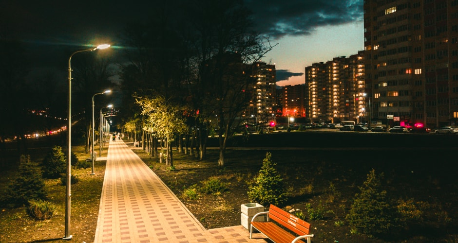 Вечерние улочки района.