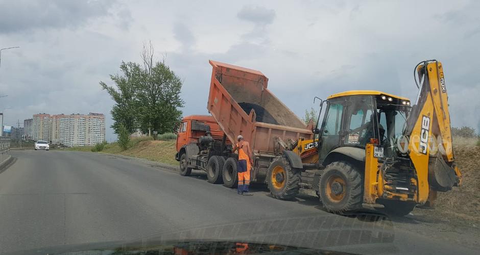Ремонт дороги в ЖК Суворовском. Укладка асфальта