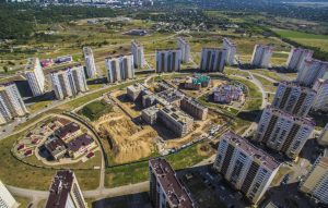Вид на школу и детские сады ЖК Суворовский в Ростове-на-Дону 2018 год