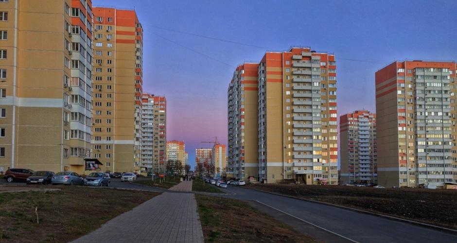 Вид на улицу Петренко в ЖК Суворовский