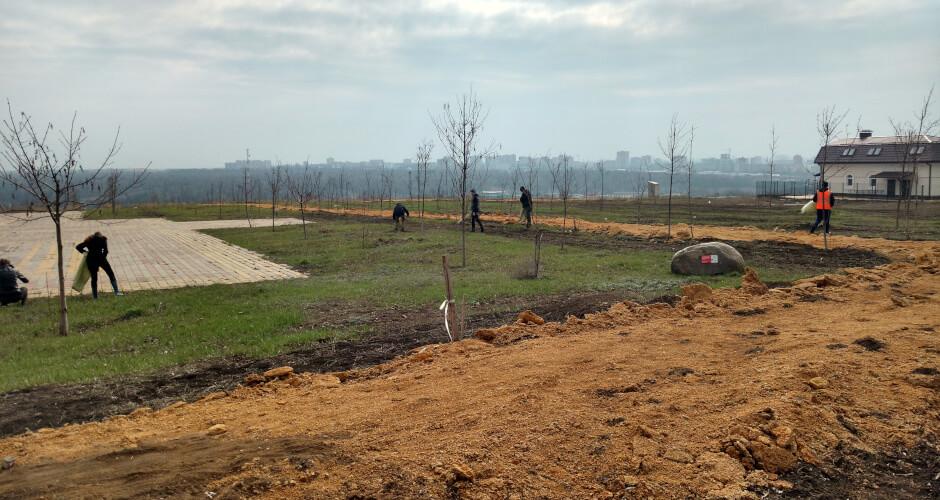 Уборка парка Суворовского