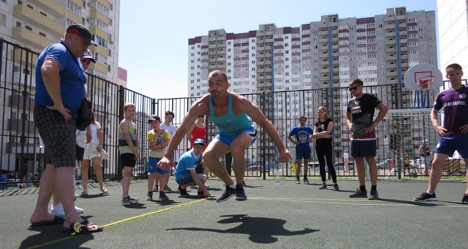Спортивные жители ЖК Суворовский