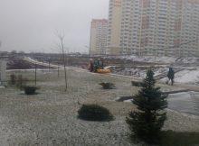 Уборка первого снега 2019 в ЖК Суворовский. Вид 1.