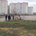 Субботник в ЖК Суворовский 3 апреля 2021 года. Кадр 2.