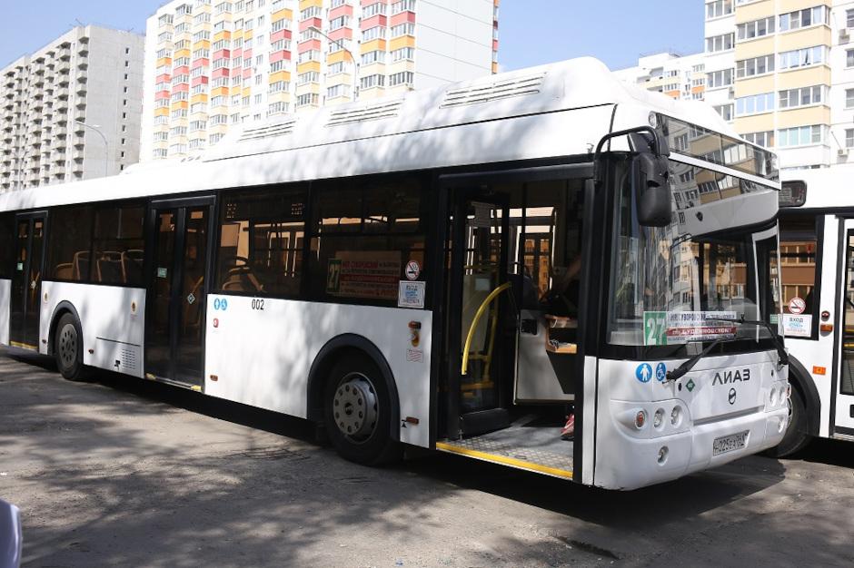 Автобус 27 в ЖК Суворовский