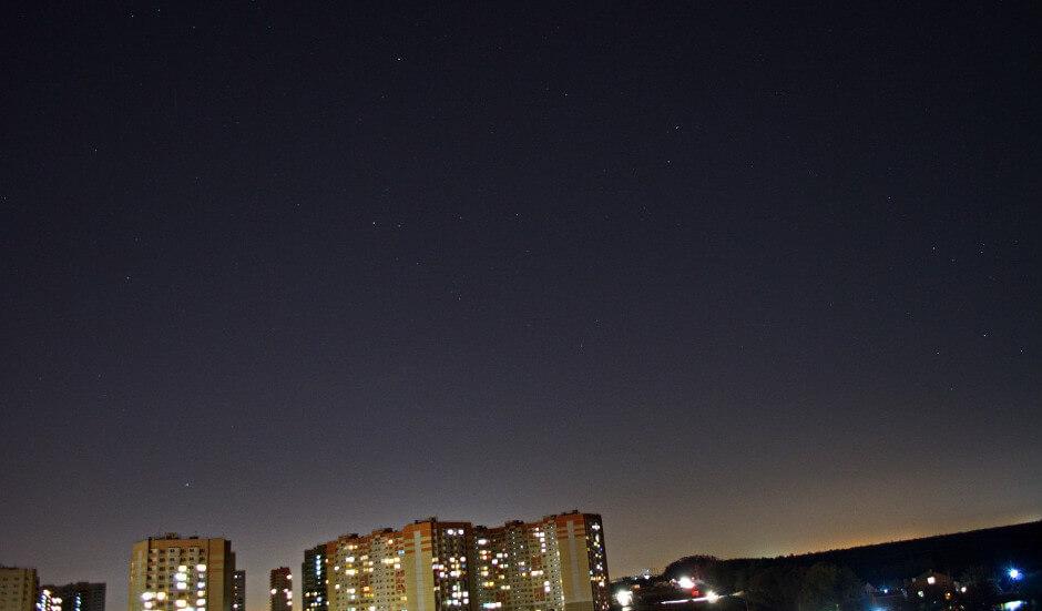 Ночное небо над ЖК Суворовским